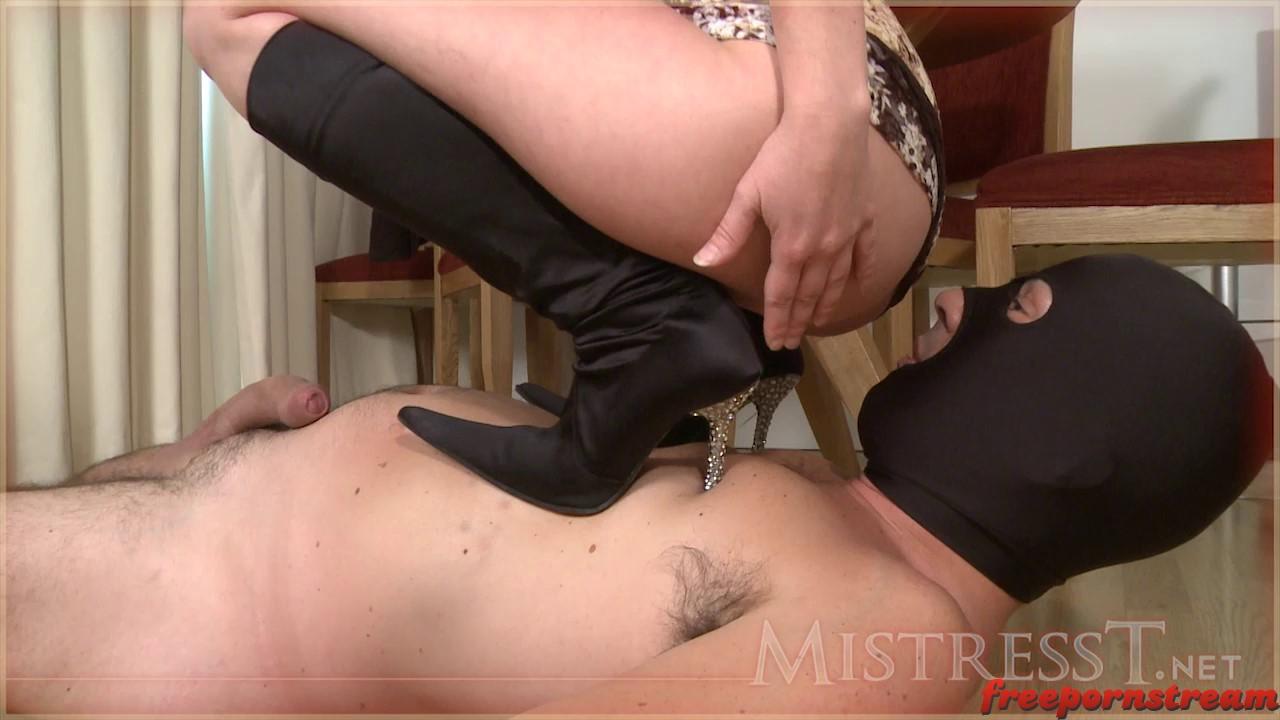 Fingered wet pussy knee hig